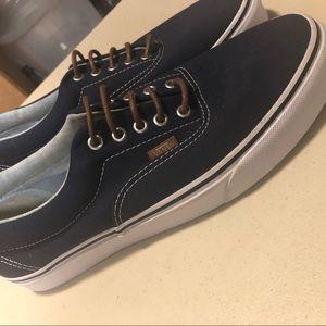 Brand new w/o tags Vans era skate shoes